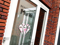ets-privacy-reclame-raam-folie-en-full-color-folie-met-schaduweffect-beautysalon-muriel-leeuwarden-friesland