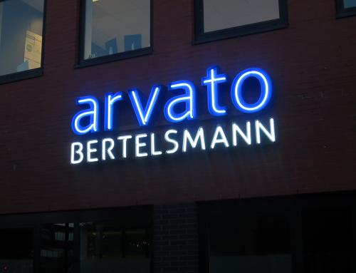1neon verlichte letters gevelreclame doosletters arvato bertelsmann heerenveen burgum leeuwarden friesland