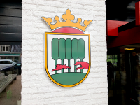 acrylox-kunststof-wapen-letters-reclame-logo-frame-dak-portiek-gemeente-opsterland-beetsterzwaag-friesland