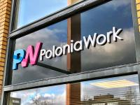 19mm-kunststof-acrylox-logo-letters-gemonteerd-op-raam-glas-ruit-poloniawork-drachten-friesland