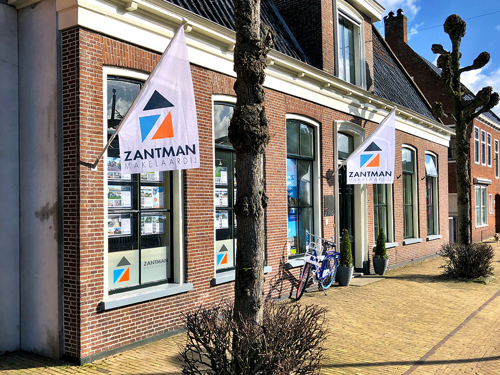 grote-kioskvlag-aluminium-stok-longlife-zantman-makelaardij-burgum-friesland