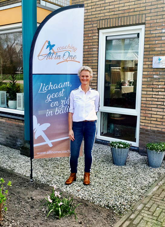 ontwerp-levering-beachvlag-small-all-in-one-coaching-burgum-friesland