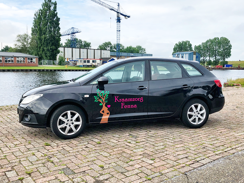 belettering-sticker-logo-folie-deur-auto-seat-ibiza-kraamzorg-fenna-leeuwarden-friesland