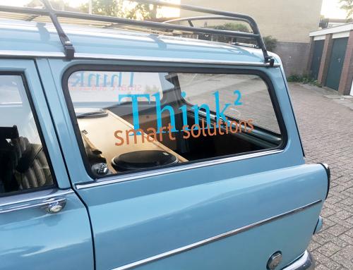 belettering-sticker-achter-zij-raam-klassieke-volvo-think2