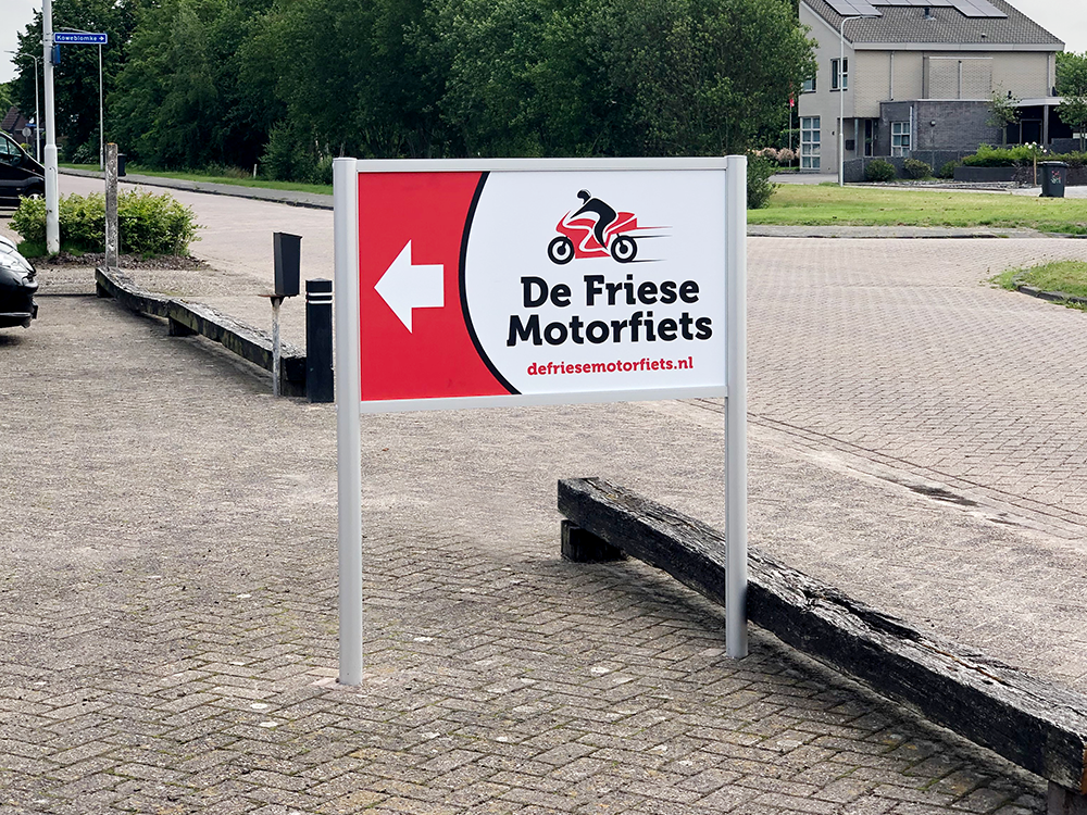 aluminium-reclame-frame-zuil-bouwpakket-bord-trespa-dibond-de-friese-motorfiets-damwoude-friesland